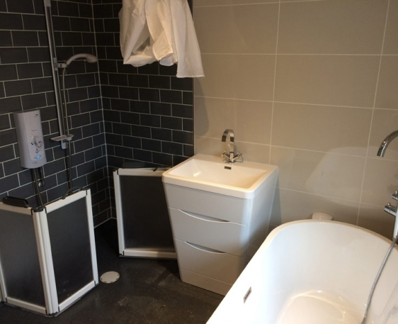 Modern and Accessible Bathroom, South Oxford